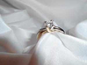 anello solitario vendo oro bareggio